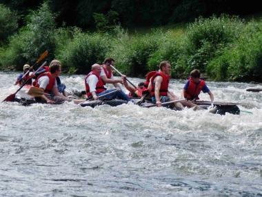 Floßbau Schlauch Neckar