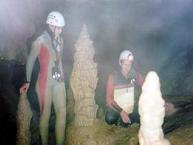 Formschöner Stalakmit in der Falkensteiner Höhle