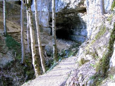 Eingangsportal der Falkensteiner Höhle