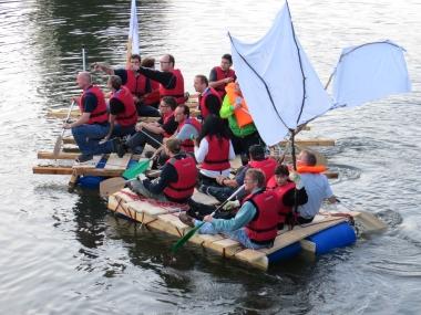 Teamchallenge Floßbau Nagold Jungfernfahrt